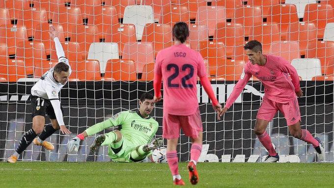 Real Madrid thua đau Valencia